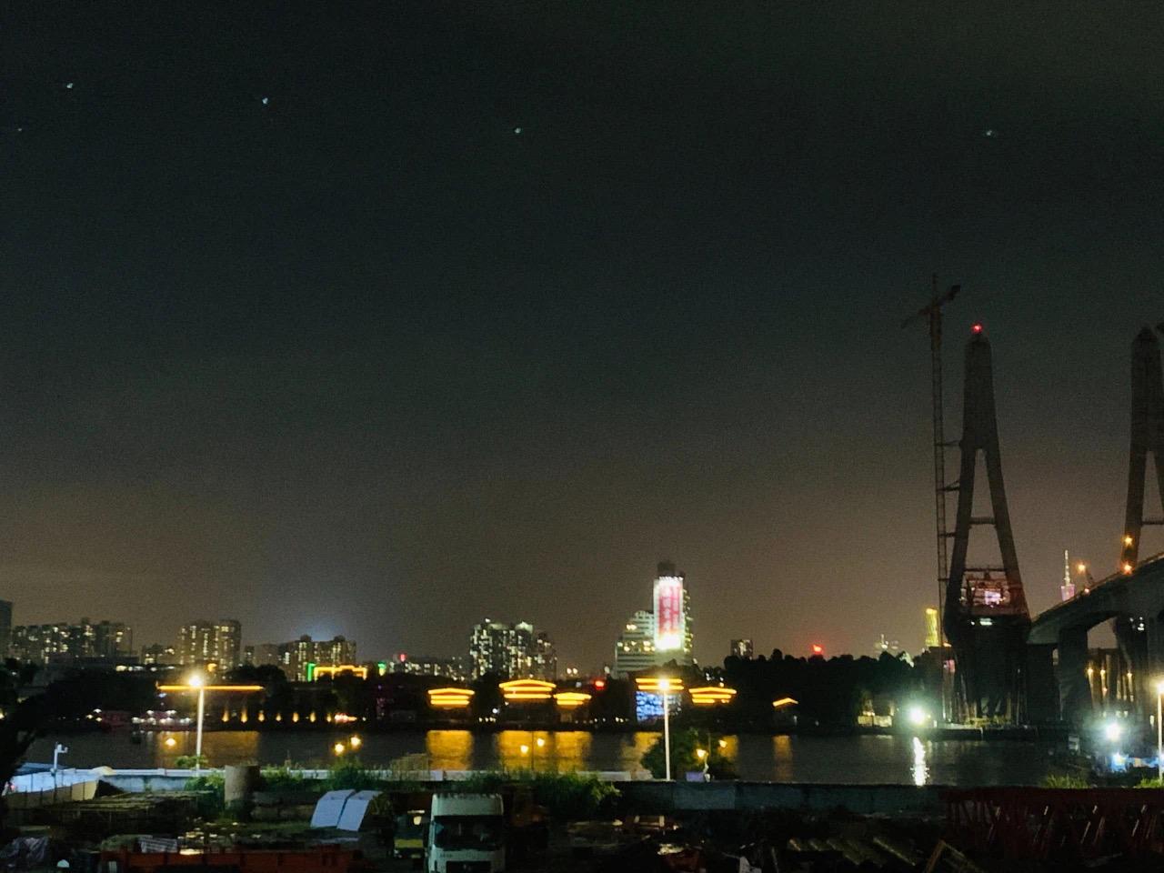 江南西的日和夜。